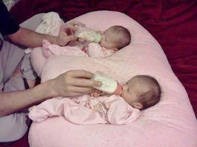 baby twins in twin z pillow